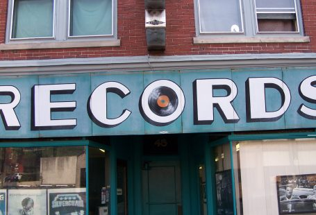 Il contratto discografico