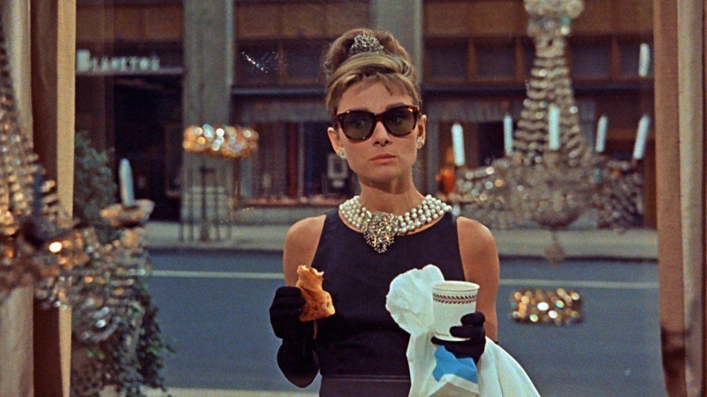 Il diritto di immagine e il valore evocativo di elementi non direttamente riconducibili al personaggio famoso: Audrey Hepburn, Dalla e Totò